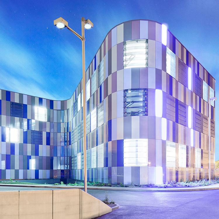 Ansicht des Fraunhofer IOF Institutsgebäudes